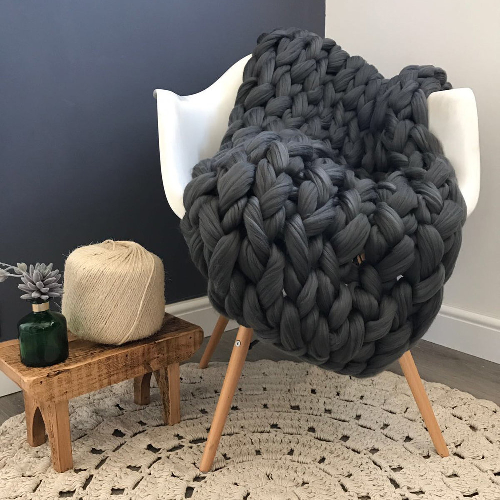 Arm knit a throw workshop